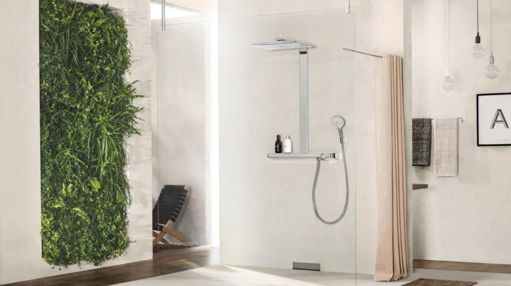 rainmaker-select_showerpipe_spacious-bathroom_ambiance_16x9