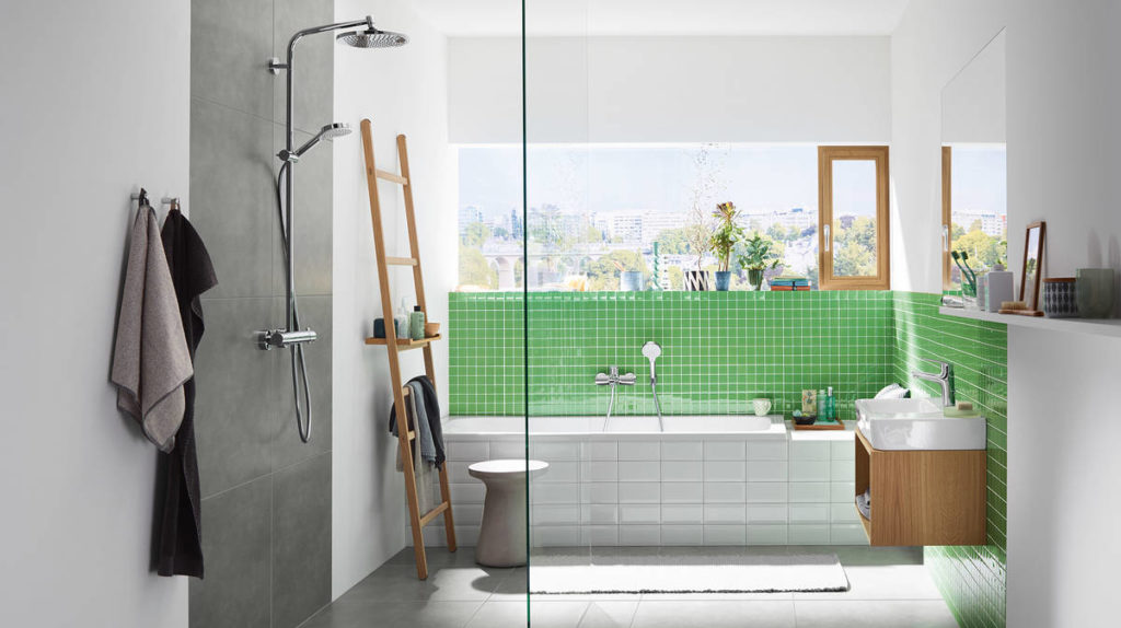 crometta-s-240-showerpipe_youthful-fresh-bathroom_ambiance_16x9